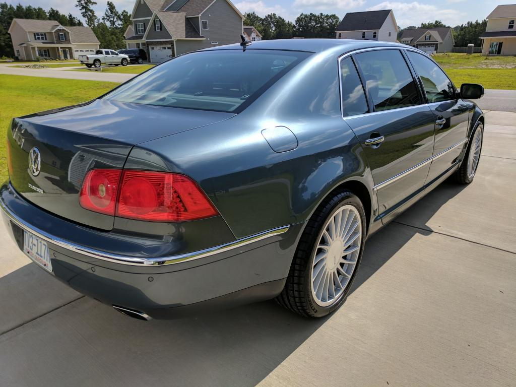 2004 vw phaeton detailed detail and wax bob is the oil guy. Black Bedroom Furniture Sets. Home Design Ideas